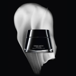 Crema Nera Supreme reviving light cream