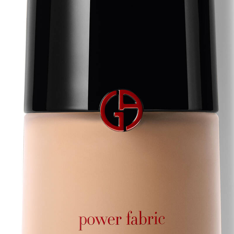Armani Beauty - Power Fabric Foundation - 7