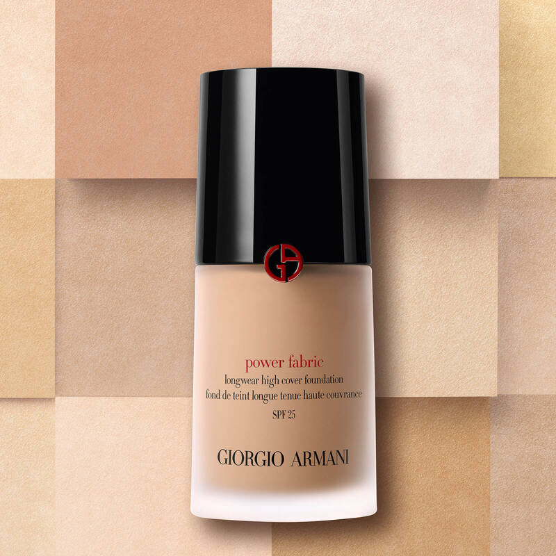 Armani Beauty - Power Fabric Foundation - 9