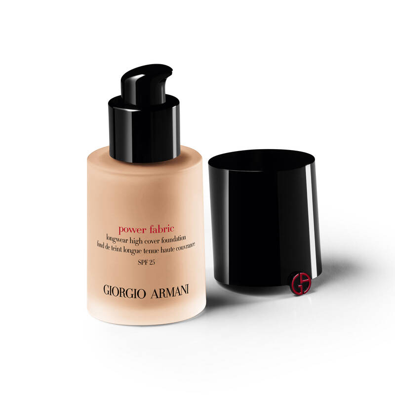 Armani Beauty - Power Fabric Foundation - 6